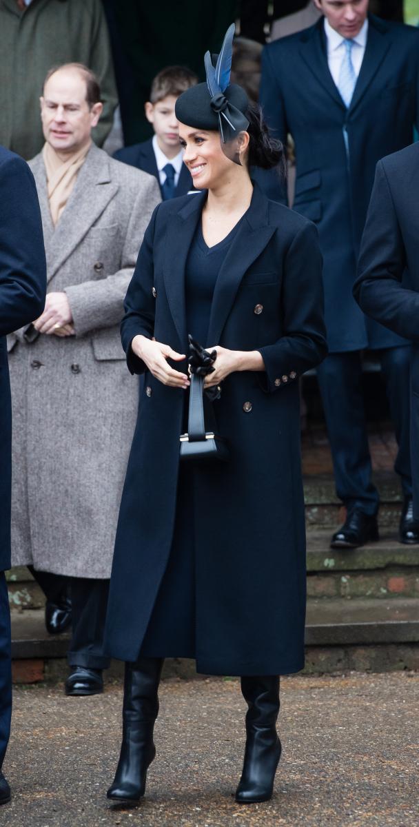 ヴィクトリアのブランド「Victoria Beckham」のアイテムに身を包んだメーガン妃。ふたりは親交がある