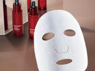 【DECENCIA】小田切ヒロ、モードな美肌への誓い。ニューノーマルのシワケアは、シートマスクでいこう!