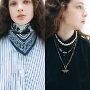 コンサバ服をモードにツイストする首元はどっち? スカーフ or アクセサリー?