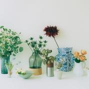 花と花器のおしゃれカンケイ
