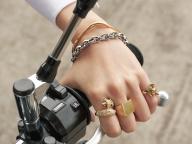 TYPE 04 愛らしい動物たちとバイクで旅に出る