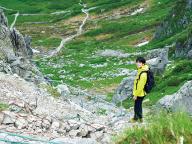 """高山植物と岩の山。""""ツンデレ""""感ある木曽駒ヶ岳へ【井之脇海、山と自然を遊びつくす 第7回】"""