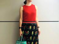 ヴィンテージ調のフラワープリントスカート