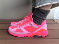 ネオンピンクが眩しいCOMME des Garcons x Nike Air Max 180<2月8日、編集O>