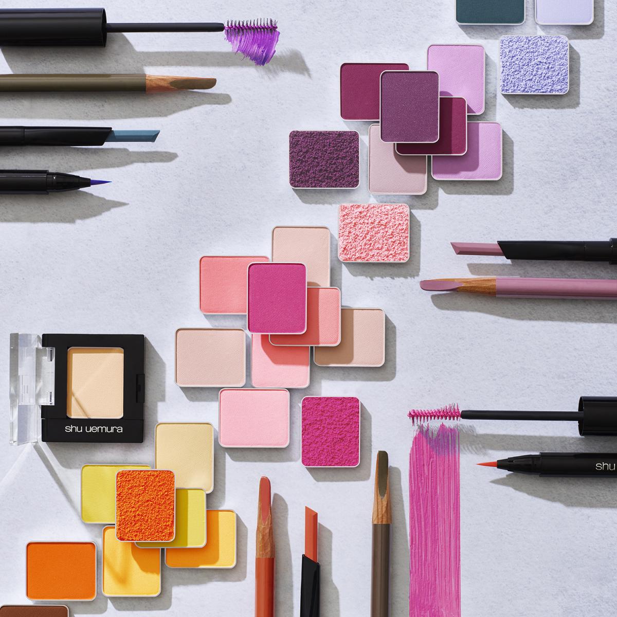 さまざまな色を自由自在に組み合わせることができるユニークなアイコレクションが誕生。