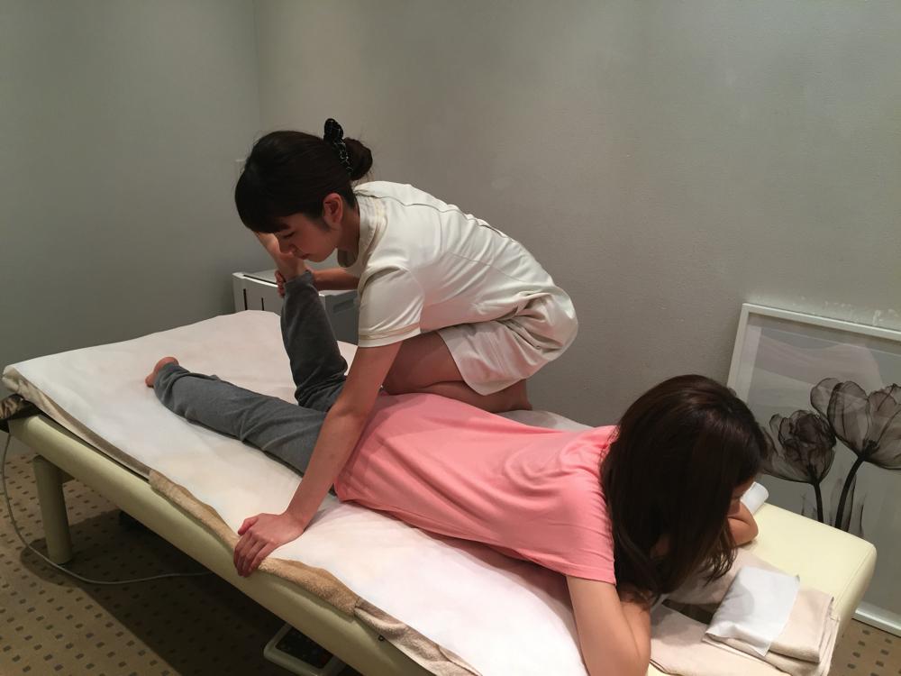 股関節と骨盤の調整を行うことで、ねじれや左右の高さが整い、ヒップアップにもつながる。