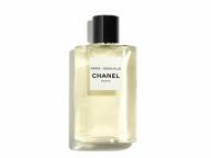 シャネルから、新しい香りの旅へと誘うフレグランスコレクション「レ ゾー ドゥ シャネル」が誕生
