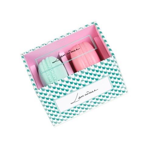 スウィートマカロン ブラッシュ & ブレンダー 01 ¥4,800(2018年1月1日限定発売)