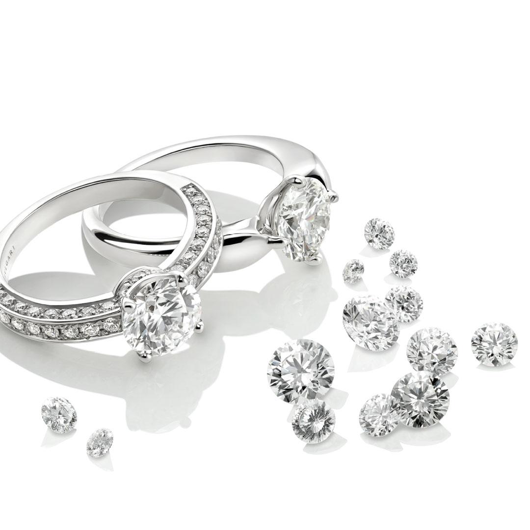リング左:(WG×アクアマリン×ダイヤモンド)¥1,150,000/ブルガリ