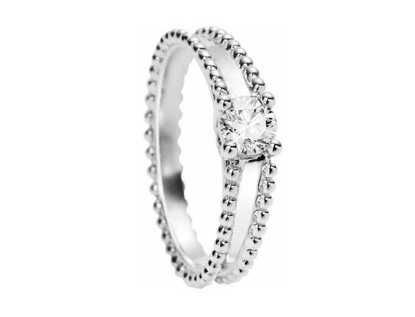 [エステル ソリティア]エンゲージメントリング<PT×ダイヤモンド0.3ct〜>¥700,000〜