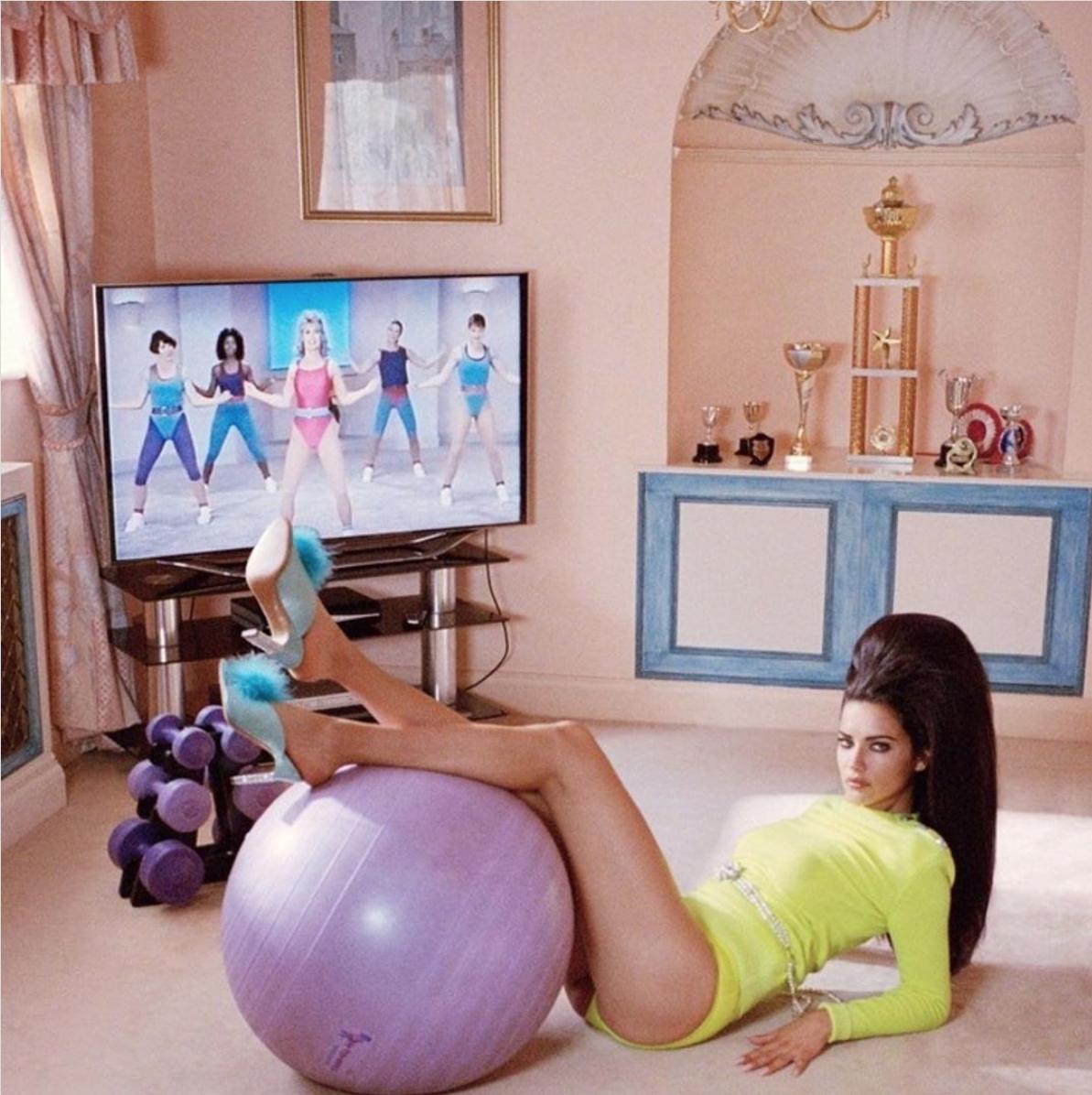 【アドリアナ・リマ】完璧にドレスアップして、トレーニング!?