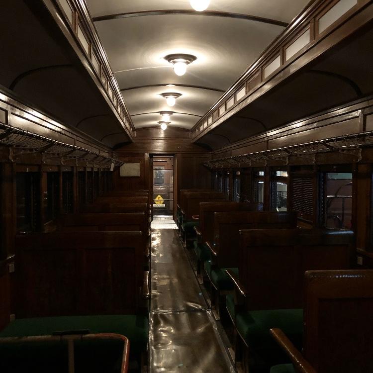 大宮にある鉄道博物館内に展示をされている車両です。