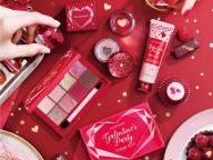 ジルスチュアートの世界に染まったバレンタイン限定コスメ。赤と、ピンクと、甘い香りに気分高まる!