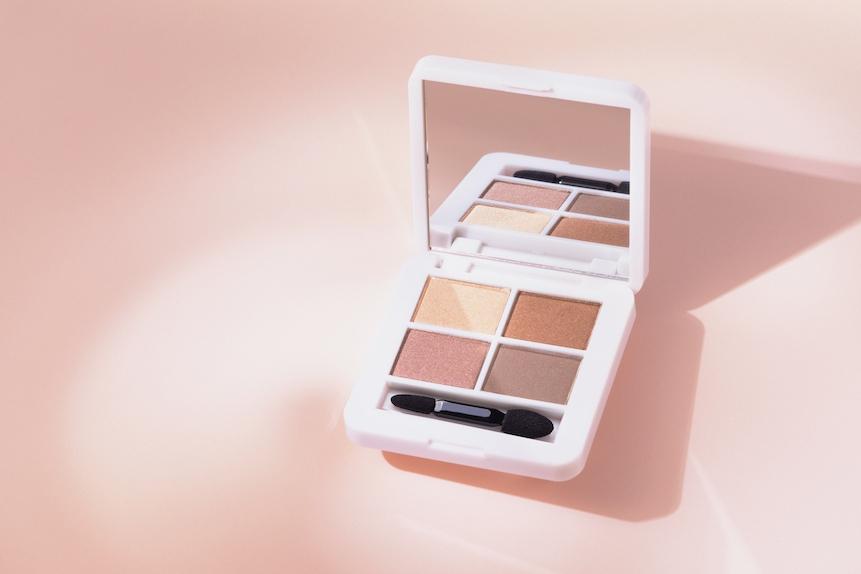 rms beauty ダブルデートパウダーパレット ¥4,510(2021年8月13日CosmeKitchheにて発売/2021年8月6日よりrmas beauty公式オンラインストア・Make↗︎Kitchenにて先行発売)