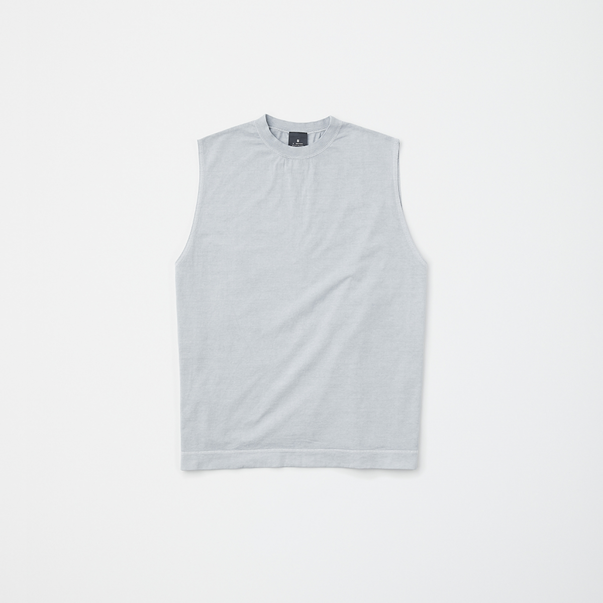 N.HOOLYWOOD TANK TOP PACKAGE LIGHT GRAY ¥17,000(セット内容:N.HOOLYWOOD TANK TOP、STUFF BAG GRAY、FIVEISM × THEEE FF コントロール UV ツール サシェ(2連包)×4包、FIVEISM × THEEE パージ パフォーマンス ワイプス×7包/今夏発売予定)