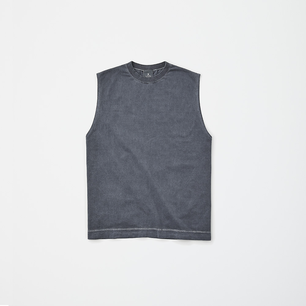 N.HOOLYWOOD TANK TOP PACKAGE GRAY ¥17,000(セット内容:N.HOOLYWOOD TANK TOP、STUFF BAG GRAY、FIVEISM × THEEE FF コントロール UV ツール サシェ(2連包)×4包、FIVEISM × THEEE パージ パフォーマンス ワイプス×7包/今夏発売予定)