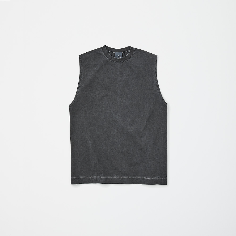N.HOOLYWOOD TANK TOP PACKAGE BLACK ¥17,000(セット内容:N.HOOLYWOOD TANK TOP、STUFF BAG GRAY、FIVEISM × THEEE FF コントロール UV ツール サシェ(2連包)×4包、FIVEISM × THEEE パージ パフォーマンス ワイプス×7包/今夏発売予定)