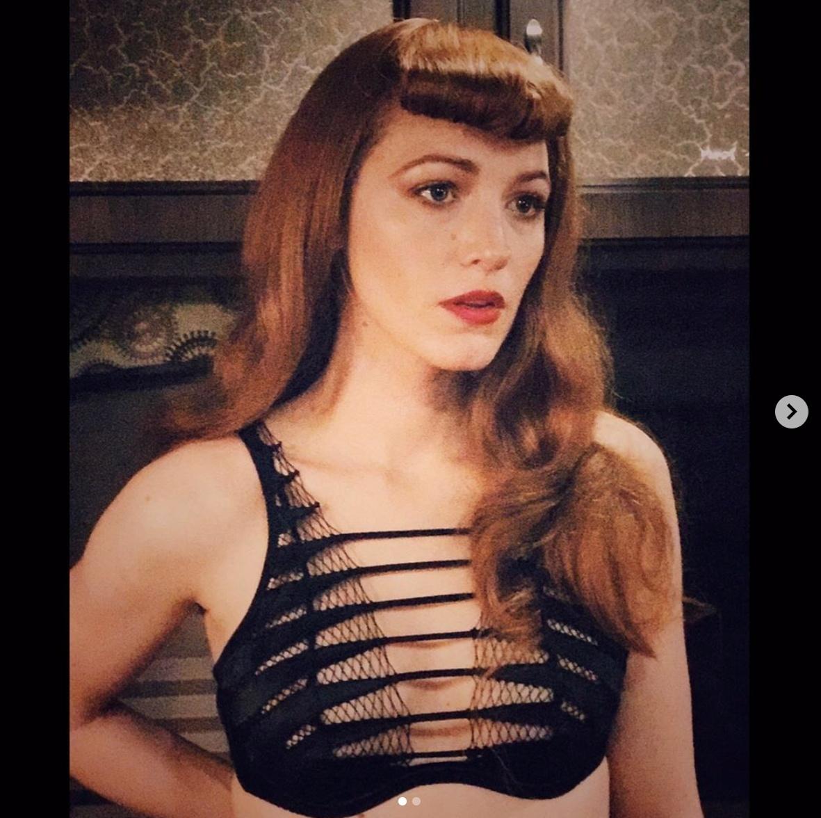 映画ではセクシーなランジェリー姿も披露。