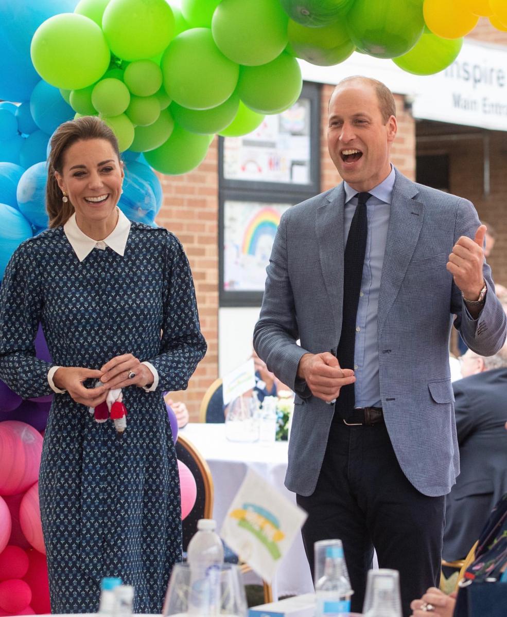 クイーン・エリザベス病院を訪問したウィリアム王子夫妻。