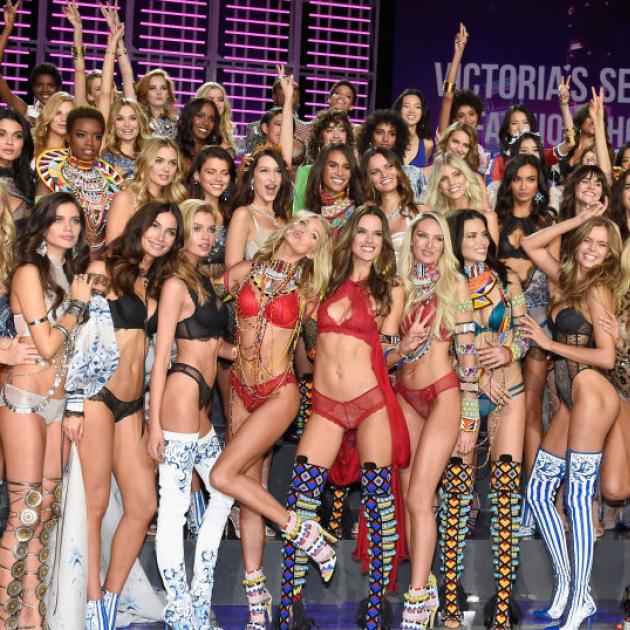 ランジェリーの祭典「ヴィクトリアズ・シークレット」のファッションショーが上海で開幕! - セレブニュース | SPUR