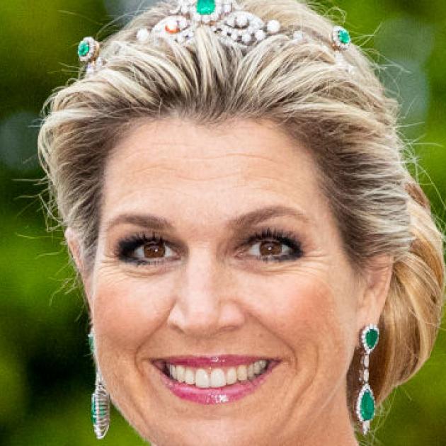 キャサリン妃に引けを取らぬセンスに熱視線! オランダ王室のマキシマ妃、エメラルド一色のドレス姿で世界を圧倒