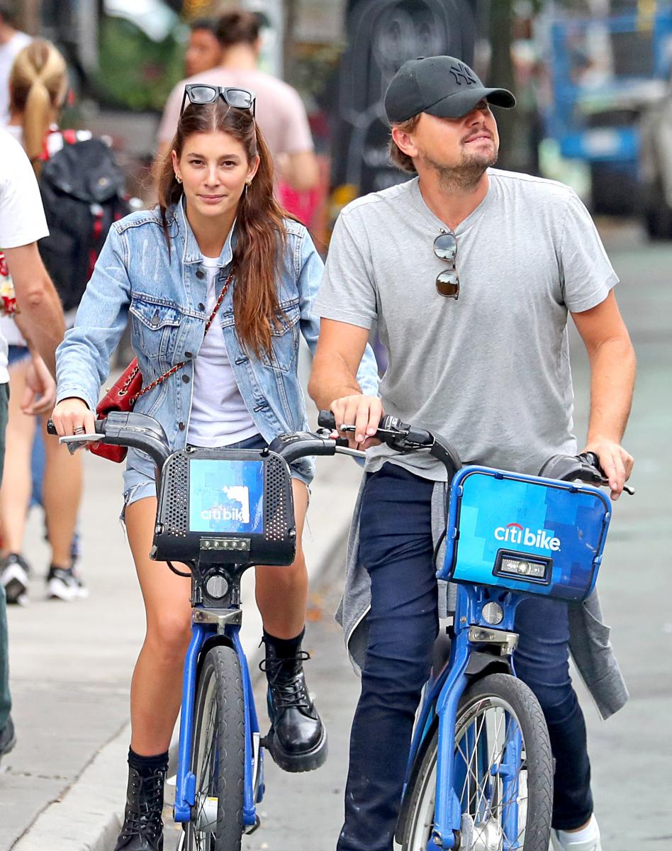レオは環境にやさしいサイクリングデートがお気に入り。Photo:The Image Direct/アフロ