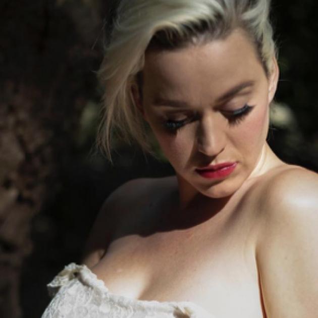 失恋&アルバムの売り上げ不振でどん底に。ケイティ・ペリー、自殺を考えていた過去を明かす - セレブニュース   SPUR