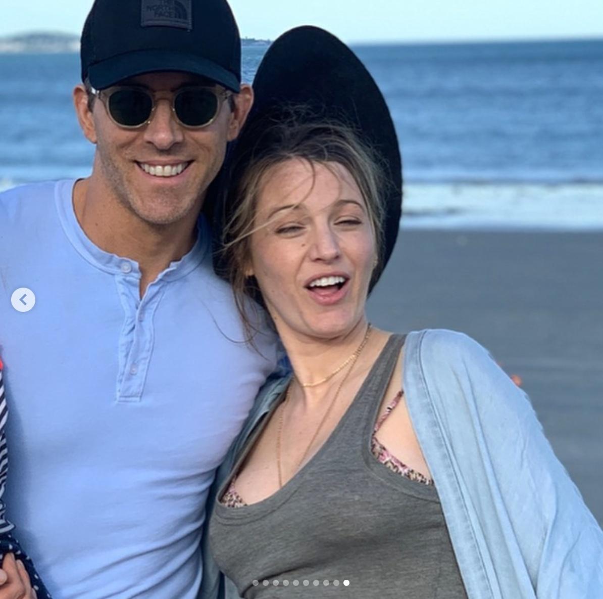 〈目玉〉①ライアン・レイノルズが妻ブレイクの誕生日を祝し、変顔写真を一挙大公開!