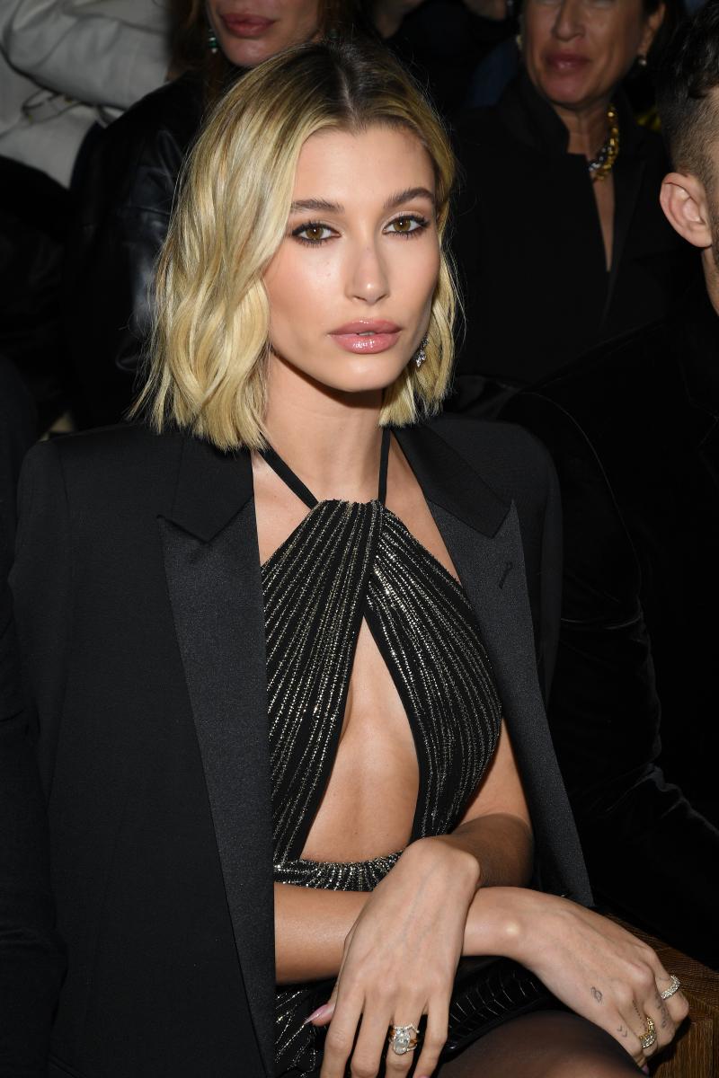 モデルの仕事をしながらも熱烈なジャスティン・ビーバー(26)のファン、ビリーバーでもあったヘイリー・ビーバー(23)。ファンから、友人、そして恋人となり2018年に結婚!  妻としての自信の表れなのか、23歳にして貫禄すら感じさせるモード系美女へと変貌を遂げた。