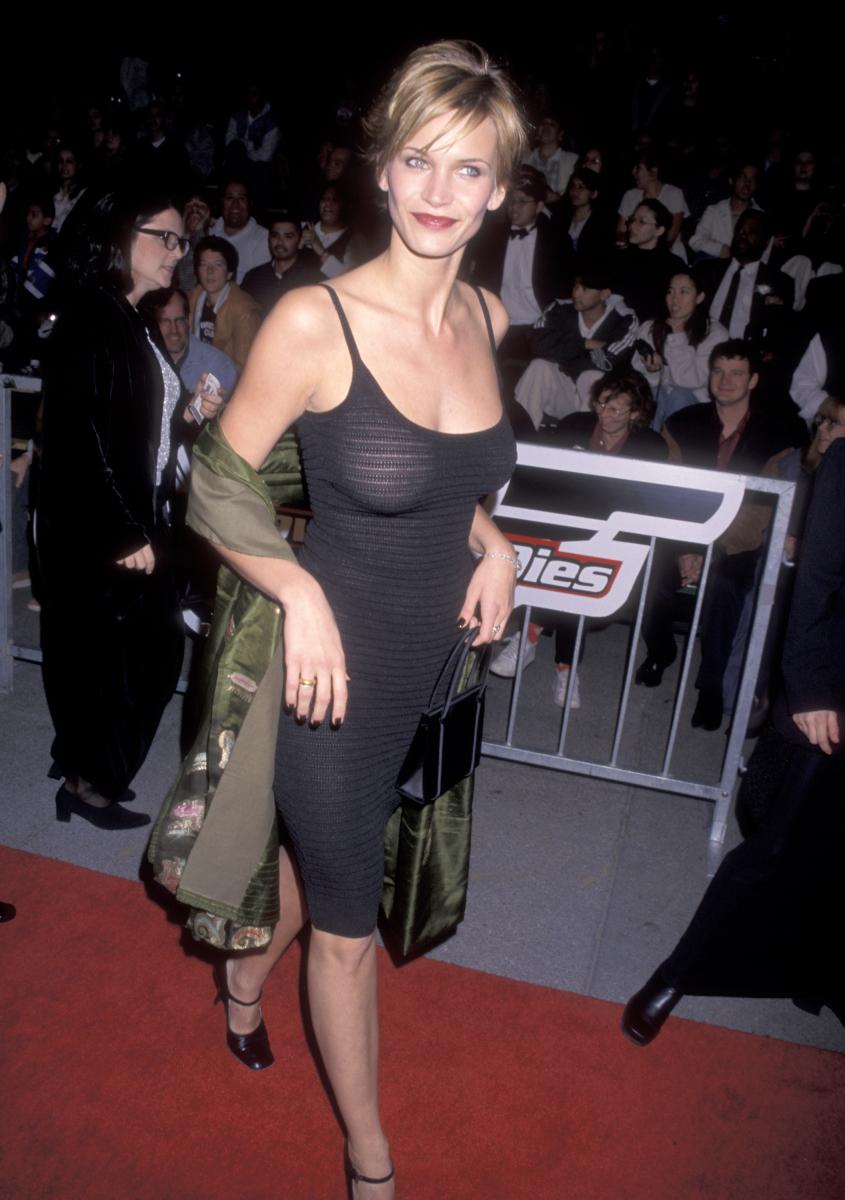 次なるお相手は、1995年の映画『スピーシーズ 種の起源』でモデルから女優に転向し、「映画史上最も美しいエイリアン」と呼ばれたナターシャ・ヘンストリッジ(44)。レオとパーティー友だちだったといわれ、1997年に短期間、交際していたとのウワサ。
