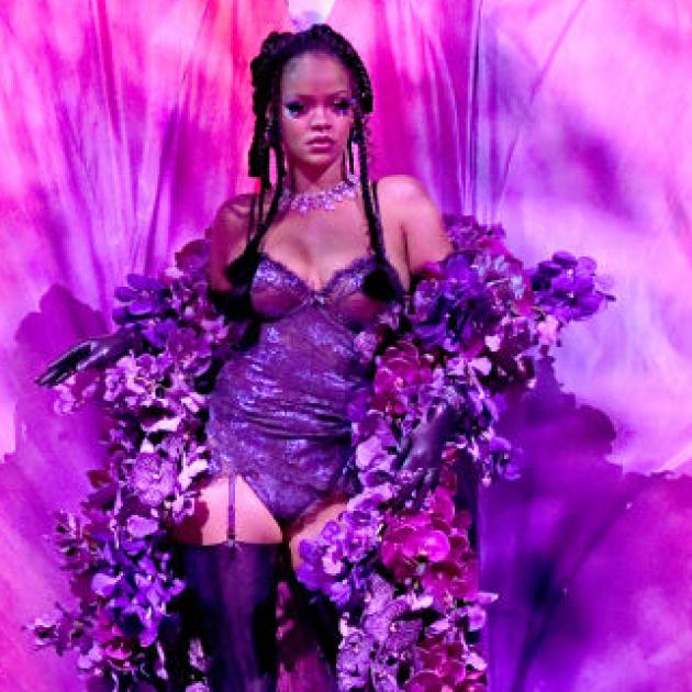 セクシー度も多様性もパワーアップ! リアーナの下着ブランド「SAVAGE X FENTY」のショーが配信される - セレブニュース | SPUR