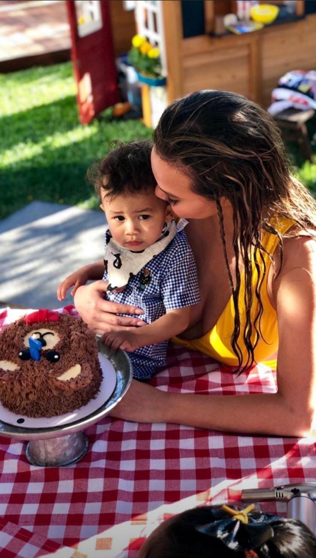 ⑦自宅がミニ動物園に! クリッシー・テイゲン&ジョン・レジェンド夫妻が息子の1歳の誕生日をお祝い