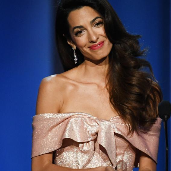 ハリウッド女優も黙る美貌と本物の知性。アマル・クルーニーの華麗なファッションに迫る - セレブニュース   SPUR