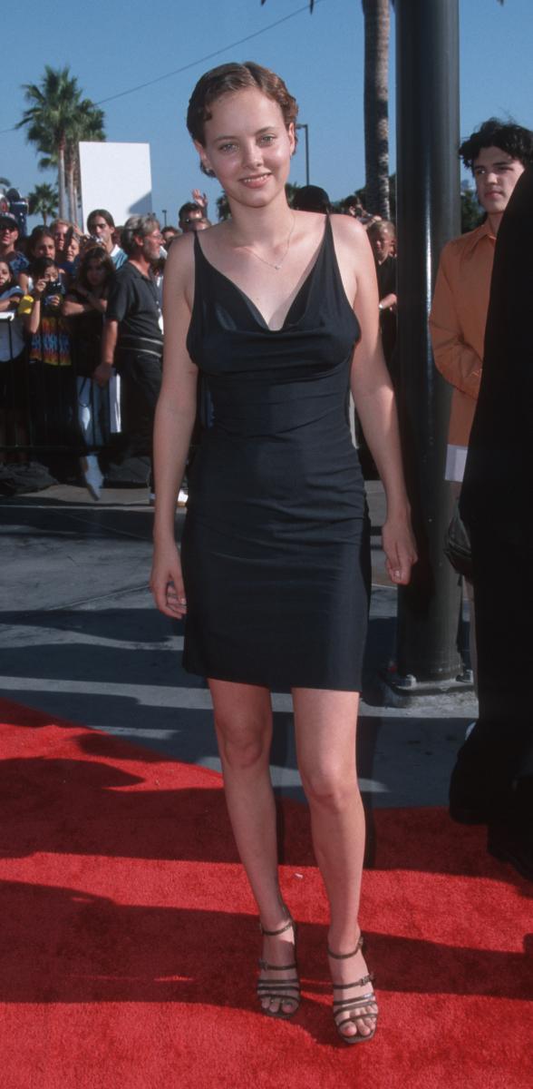 1998年に短期間デートしていたのが、当時はモデルだったビジュー・フィリップス(39)。その後ビジューは女優に転身したが、その際に映画監督を紹介するなど、女優業進出へのきっかけを作ったのがレオだったといわれる。今やプロデューサーとしても活躍するレオは、この頃から才能を発揮!?