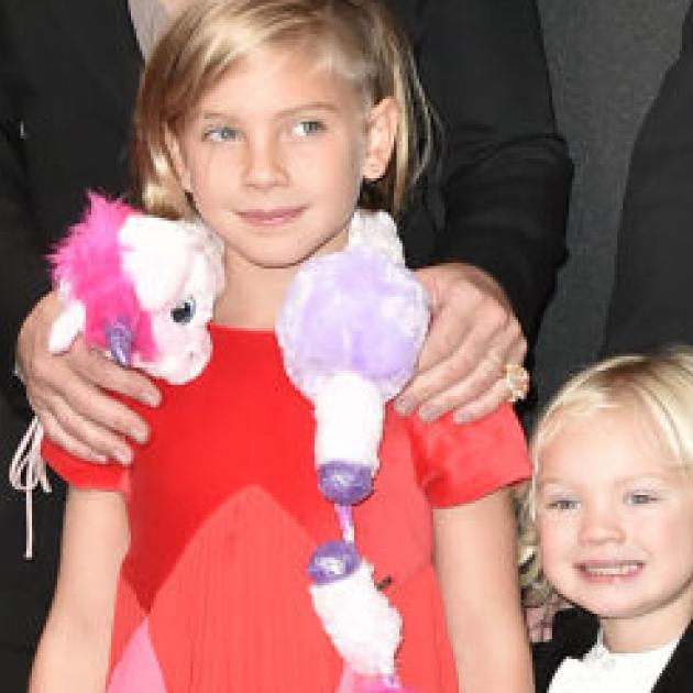 ピンクの娘ウィロー8歳、仰天ドレスで母を超える個性を発揮! - セレブニュース | SPUR