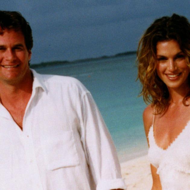 結婚22周年を迎えたシンディ・クロフォード、懐かしのウェディング写真とともに記念日を祝福! - セレブニュース | SPUR