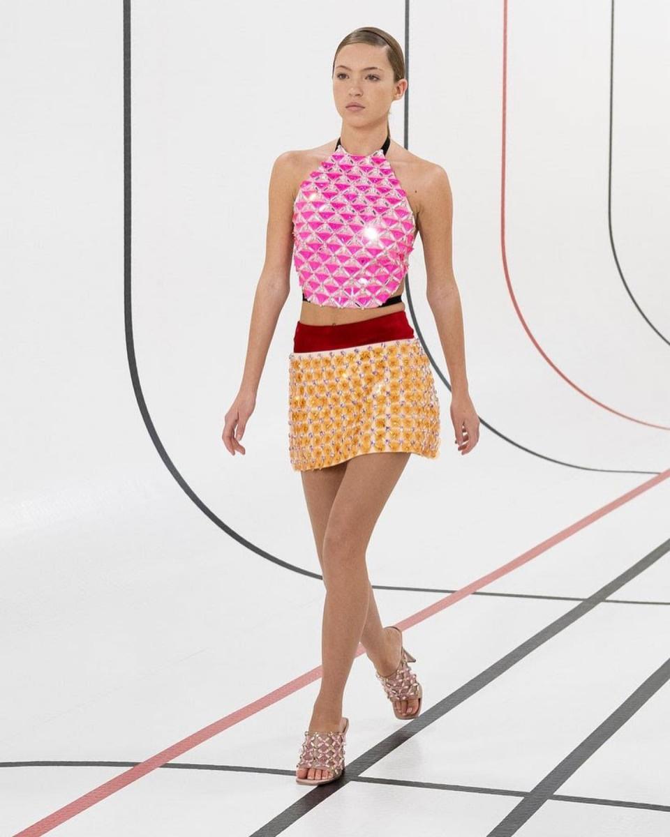 ライラは今年10月、ミュウ ミュウのファッションショーでランウェイデビューを飾った。