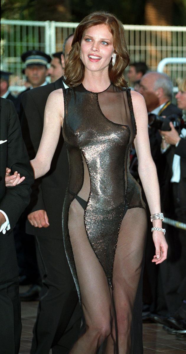 1998年に約1カ月、関係を持っていたといわれているのが、「マリリン・モンローの再来」といわれていたスーパーモデルのエヴァ・ハーツィゴヴァ(46)。ただし、当時のエヴァは夫を持つ身だったゆえ、ふたりの関係は公には認められていないそう。