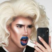 美容系ユーチューバーが実験「iPhone Xの顔認証機能をメイクで騙せるか?」
