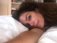 シンディ・クロフォード、スーパーモデル仲間に「寝起きすっぴん自撮り」を要求 #WOKEUPTHISWAYchallenge