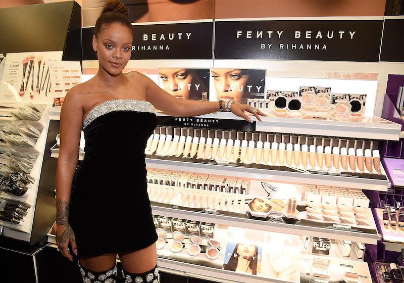 世界的大ヒットとなっている、全ての人に向けたビューティブランド「Fenty Beauty by Rihanna」をプロデュースするリアーナ。Photo:GettyImages