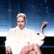 シャロン・ストーンもいいね!「香水下地」でずっといい匂いの女