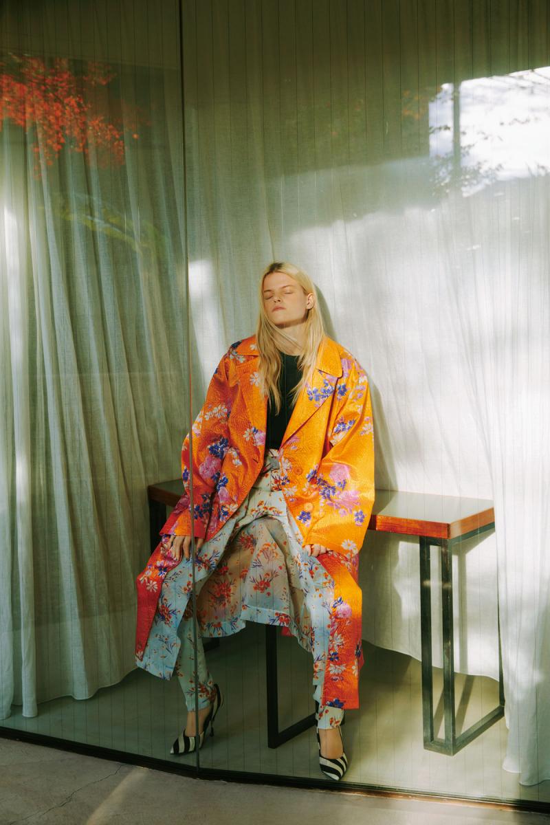 ドリス ヴァン ノッテンの花柄コート
