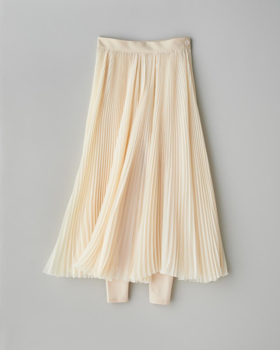 スカートはレイヤードスタイルが最旬【ハイク】