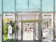 メゾン マルジェラ「レプリカ」のフルラインが一堂に! 表参道にポップアップストアが登場