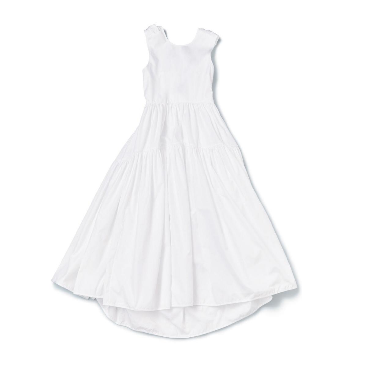 セシリー バンセン「ホワイトドレス」