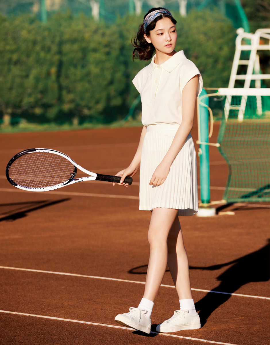 少女のように颯爽と、テニスボールを追いかけて