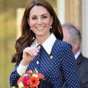キャサリン妃がまたもダイアナ元妃をオマージュ? アイコニックな水玉ドレスで公務へ