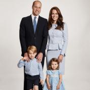 美しさにため息! 英王室がウィリアム王子一家の最新ファミリーフォトを公開