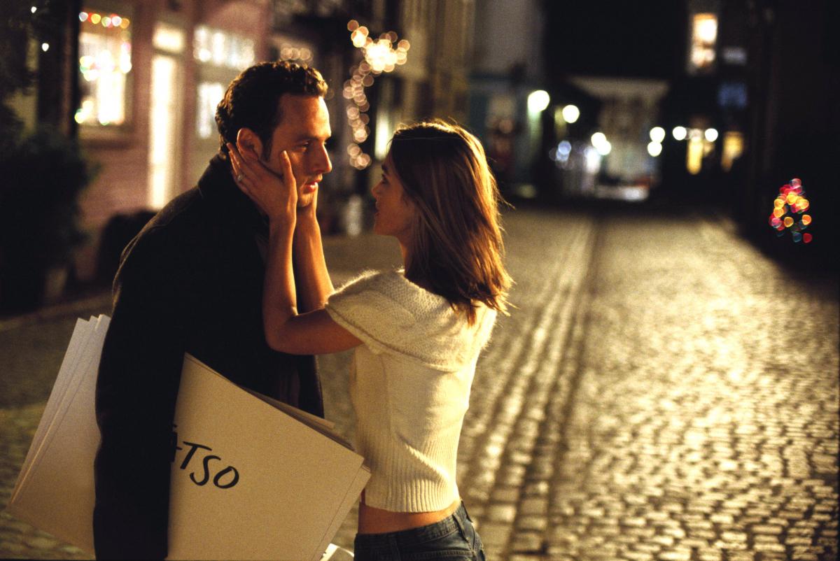 公開されてから15年が経った今も、ロマンティック!と語り継がれる名シーン。